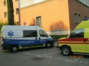 Перевезти хворого на машині швидкої допомоги